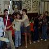 08 - Kézrõl-kézre jár a söprû a 7. osztályban .jpg