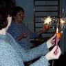 03 - Az óvónénik meggyújtották a csillagszórókat.jpg