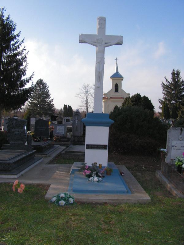 emlék kereszt temető