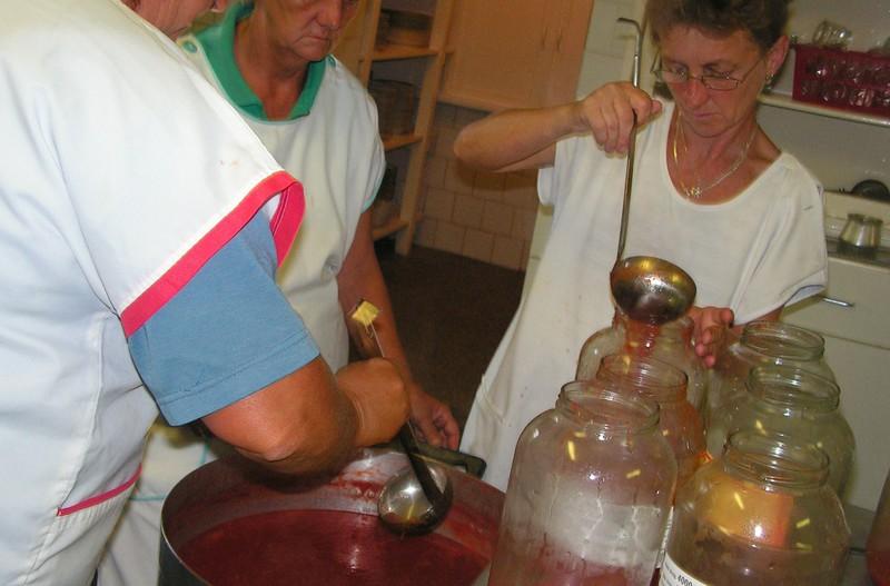 Befőzés a konyhán