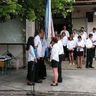 10 - Majd a ballagók a következõ osztályra hagyták a zászlót.jpg