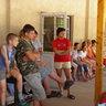 27 - Mindenki figyelmesen hallgatta a hét programját.jpg