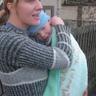 07 - A legkisebbeket délutáni alvásból ébresztette anyukájuk, hogy találkozhassanak a szaloncukrot osztogató Télapóval.jpg