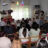 03 - A középsõ-nagy csoport is számos verssel, mondókával köszöntötte a megjelent anyukákat, nagymamákat.jpg