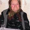 10 - Jó egészségnek örvend a pirospozsgás nagymama.jpg
