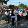 04 - Több éves rutinnal és számos fellépéssel a hátuk mögött táncoltak a felsõs néptáncosok.jpg