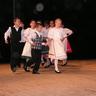 06 - A kicsi néptáncosok elsõ komoly fellépésükön nagyon jól szerepeltek.jpg