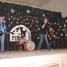 06 - Sok fiatal kedvencét idézték fel a 6. osztályos lányok - Tokio Hotel.jpg