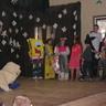 20 - A hercegnõ felvidítására érkezõ jelmezesek: macska, királylány, Spongya Bob.jpg