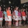 04 - majd vidáman táncoltak lányok.jpg