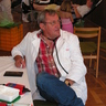 12 - Majd Dr. Kovács József egyenként megvizsgálta a donorokat.jpg