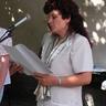 05 - A Cigány Kisebbségi Önkormányzat vezetõje Kiss Sándorné 6 gyereknek adott át ösztöndíjat.jpg