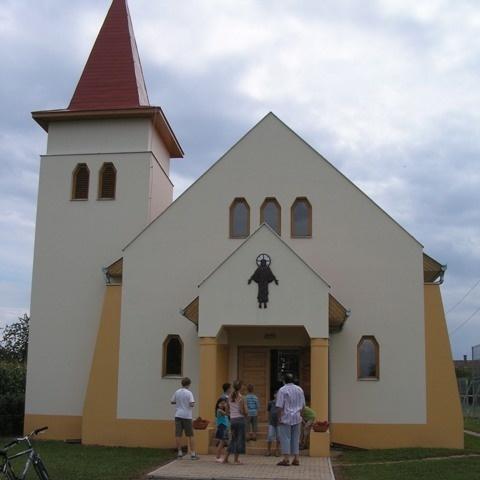 Kaposújlaki Nagyboldogasszony templom