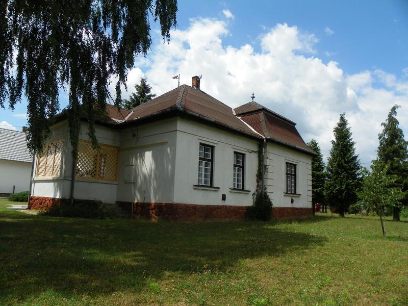 Kaposújlak Község Önkormányzatának épülete