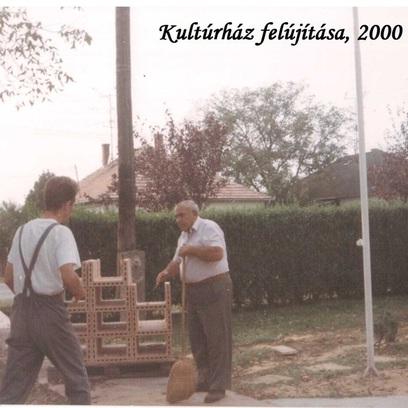 Kultúrház falazás 2000-2.jpeg